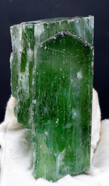 Kunzite , Green Spodumene , Hiddenite Crystal - 427 Gram , 1 06*54*39 mm