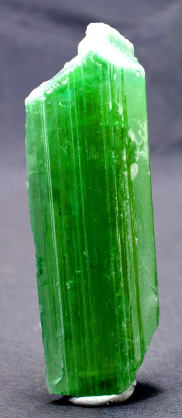 Kunzite Crystal , Terminated & Undamaged Lush Green Color Gem Grade with Excellent Clarity ~ 87 Gram - 97*32*17 mm
