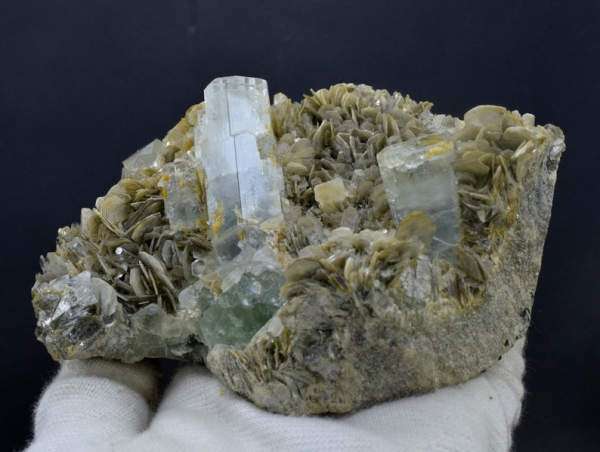 908 Gram Damage Free Aquamarine Crystals With Fluorite And Muscovite Mica Specimen from Nagar Gilgit Pakistan - 112*94*58 mm