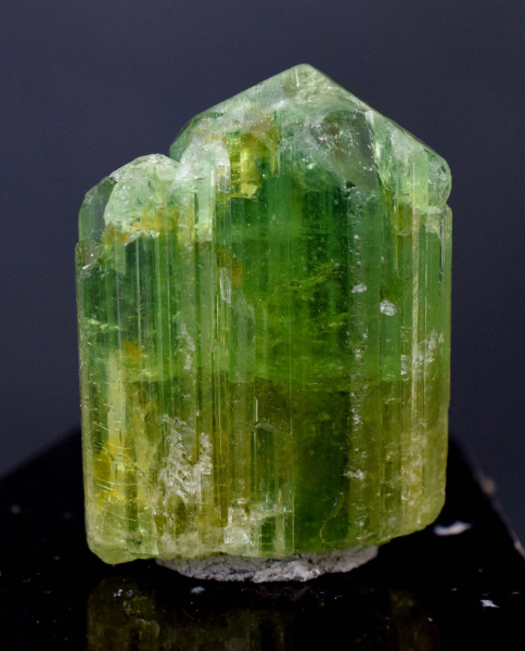 MP03-212 - 250 cts Huge Terminated Undamaged Apple Green Tourmaline Crystal - 43*31*22 mm