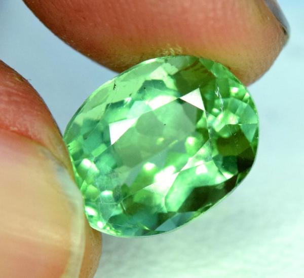 3.80 carats Natural Green Color Tourmaline Gemstone from Afghanistan - 10*8*6 mm