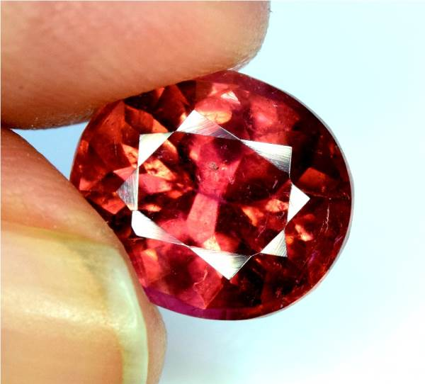 Rubelite Tourmaline Gemstone , Blood Red Tourmaline Gemstone - 4.35 cts , 10*09*06 mm