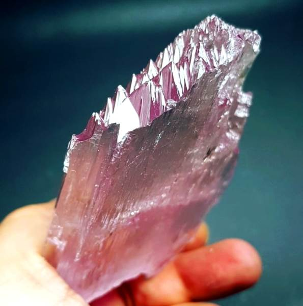 Kunzite Crystal , Damage Free Pink Kunzite Crystal with Complex Mountain Shape Terminations - 198 Gram , 96*64 mm