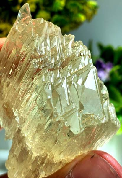 Triphane Kunzite Crystal with Mountain Shape Terminations - 114 gram , 57*42*28 mm