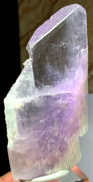 Natural Kunzite Crystal , Purple Pink Kunzite Natural Stone from Afghanistan - 137 gram , 105*51*12 mm