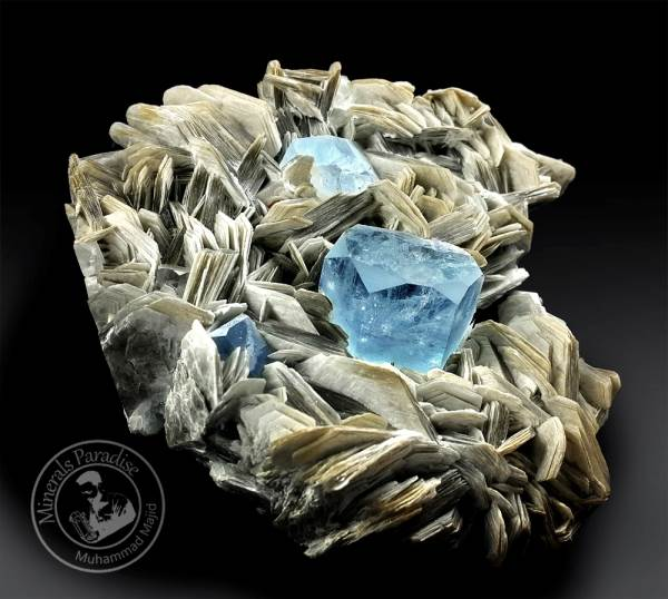 Natural Aquamarine Crystals with Mica Mineral Specimen from Gilgit Pakistan - 513 Gram , 118*118 mm