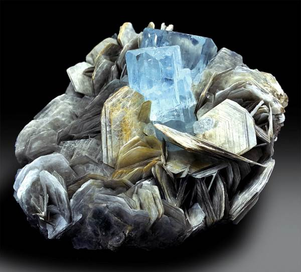 Aquamarine Specimen , Natural Aquamarine Crystals with Mica Specimen from Gilgit Pakistan - 246 Gram , 78*67 mm